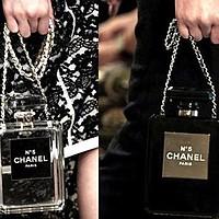 La bouteille de parfum
