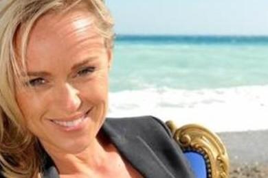 Le suicide (et bien plus) de Cécile de Ménibus a été annoncé sur Facebook. Votre réaction? On vote!