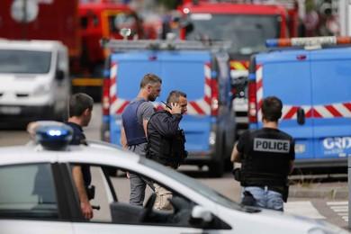 Inénarrable violence, état islamique et intimidation.