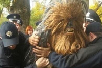 Chewbaca se fait  arrêter pour avoir fait campagne pour Dark Vador