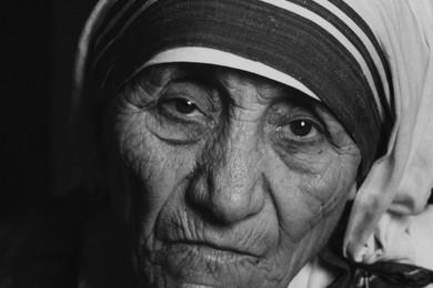 Mère Théresa va être canonisée suite à la reconnaissance d'un miracle