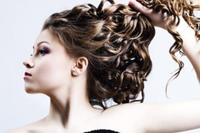 Comment séchez-vous vos cheveux?