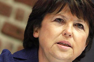 Martine Aubry a-t-elle raison de critiquer le gouvernement?