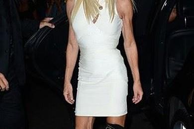 Que pensez-vous de ce look de Donatella Versace?