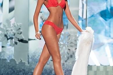 Les miss Venezuela sont souvent les plus belles du monde: hormones, prothèses mammaire à 10 ans...