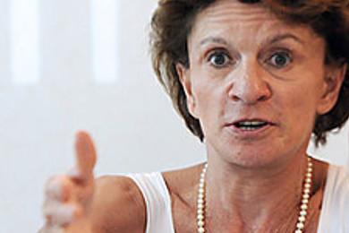 L'ex ministre Michèle Delaunay se déshérite! Vous en pensez quoi?