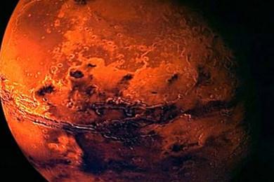 Pensez-vous qu'il y ait de l'eau sur Mars? La NASA fera aujourd'hui d'importantes révélations.Votez!