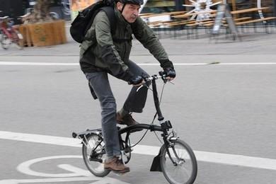 Parigi: 25 centesimi a chilometro per chi va a lavoro in bici