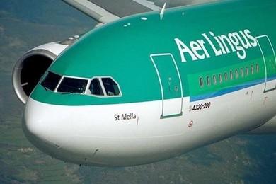 Orrore a bordo del volo Aer Lingus: morde un altro passeggero e muore