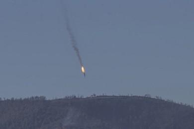 Turchia abbatte caccia russo: dichiarazioni shock di Putin