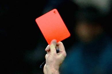 Mondo del calcio sotto choc: arbitro ucciso per aver espulso un giocatore