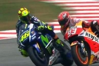 MotoGP: Rossi ''scalcia'' Marquez a Sepang, tu da che parte stai?