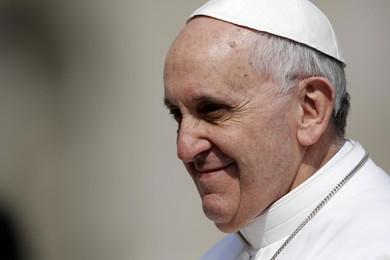 "Papa Francesco: ""Niente televisione e telefono a tavola!"""