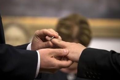 Strasburgo: Italia riconosca unioni gay