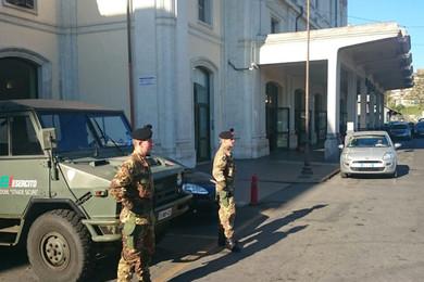 """Paura  a Roma: militari aggrediti al grido di """"Allah è grande!"""""""