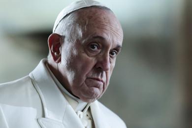 """Papa Francesco: """"Un credente che parla di povertà non può vivere da re"""""""