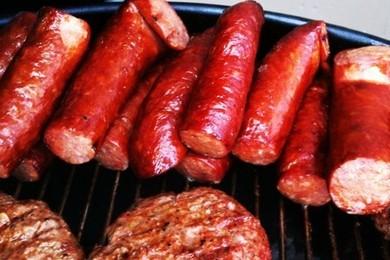 La carne rossa provoca il cancro: lo ha detto l'Oms