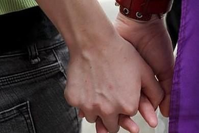 Primo caso di adozione figlio per conviventi di coppia omosex