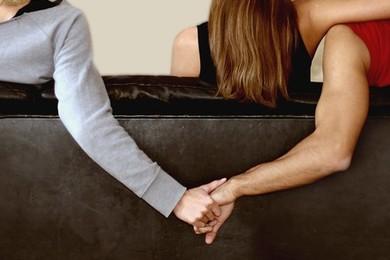 """Marito tradito compra una pagina del Corriere per denunciare le """"corna"""" della moglie"""