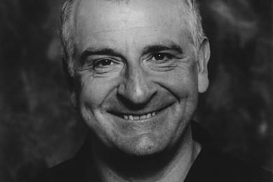 Douglas Adams: Un genio. Quale è il titolo della saga di Guida Galattica che preferite?
