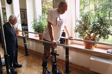 Paralizzato torna a camminare grazie a cellule del naso