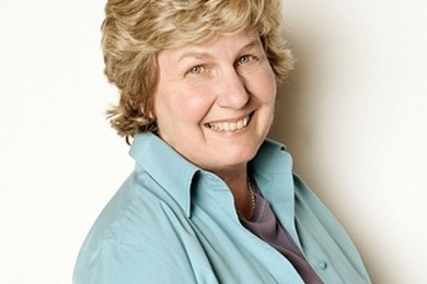 Sandi Roksvig to host BBC2 panel game 'QI'.
