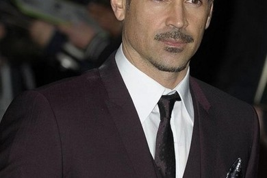 According to Colin Farrell, online dating is narcisistic.