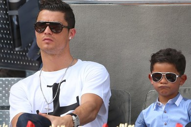 New documentary shows soccer superstar Ronaldo with his  son