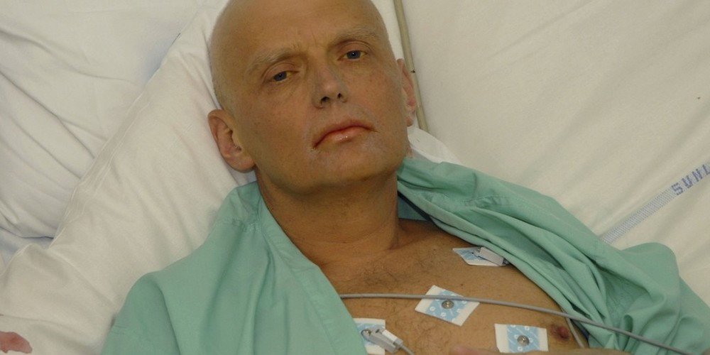 Did President Vladímir Putin kill a KGB spy with tea and honey?