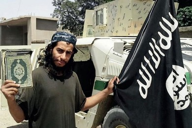 Mastermind of the terrorist attacks in Paris is a belgian member of IS