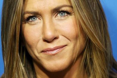 Fake Jennifer Aniston Facebook story goes viral