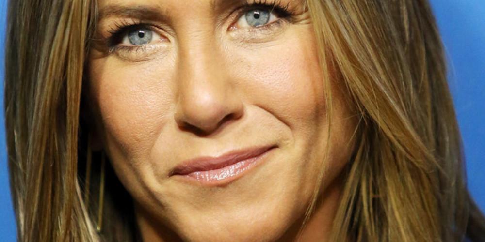 Fake Jennifer Aniston Facebook story goes viral :: RankBank com
