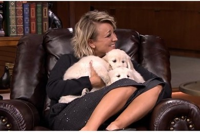Don't you think Kaley Cuoco looked stunning on the Jimmy Fallon Show?