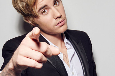 Justin stomps out of Spanish radio show
