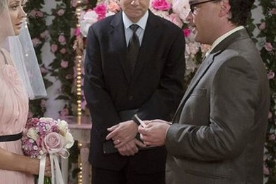The Big Bang Theory wedding pic has been revealed. How you feeling?